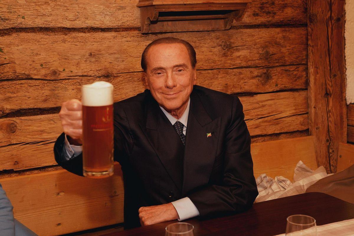 Berlusconi riapre il forno del Pd. Ma a bruciare è il centrodestra