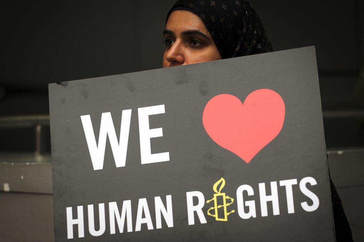 Per Amnesty international ci sono «violazioni sistematiche» da parte della Francia