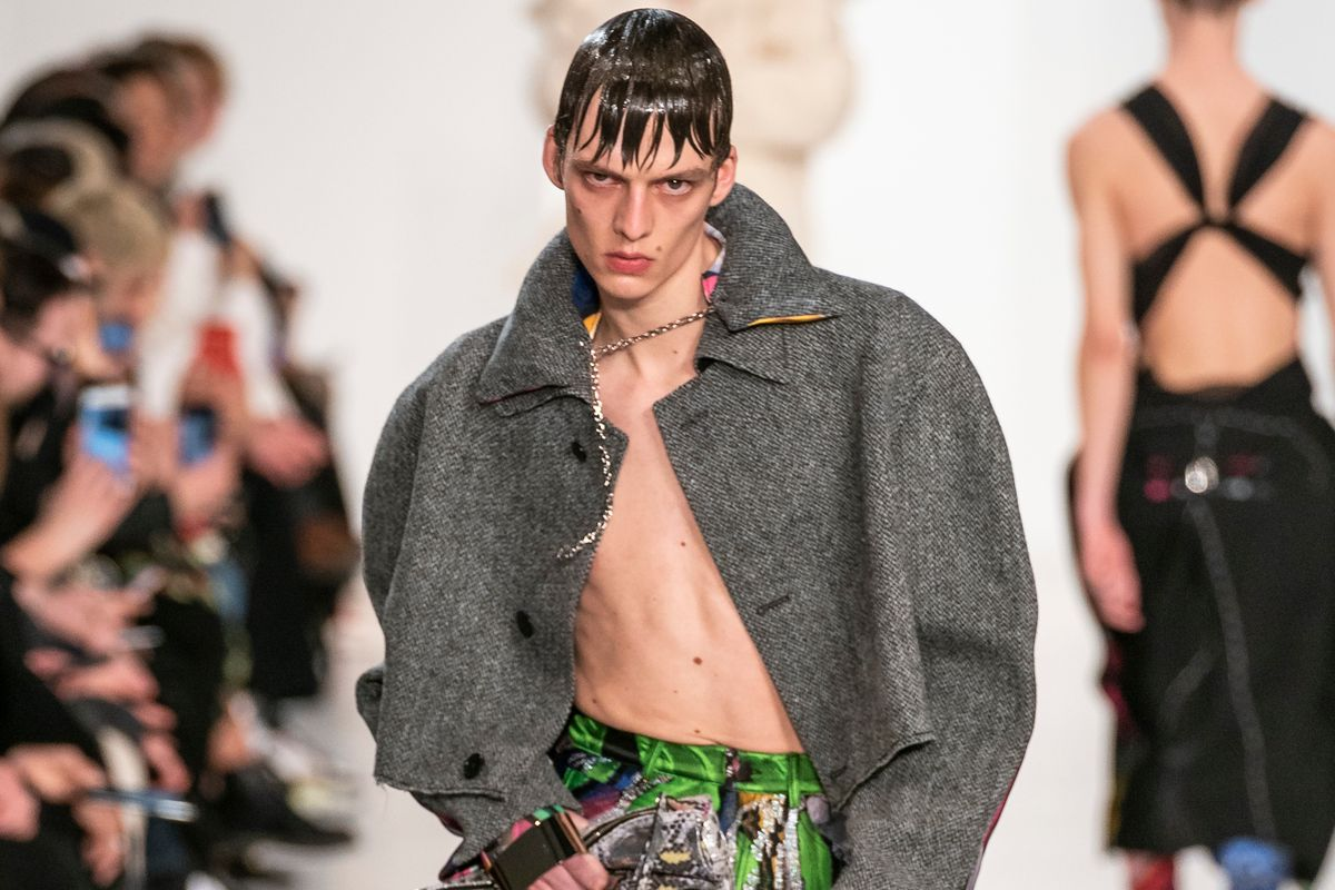 This Model's Moody Walk Stole the Show at Margiela