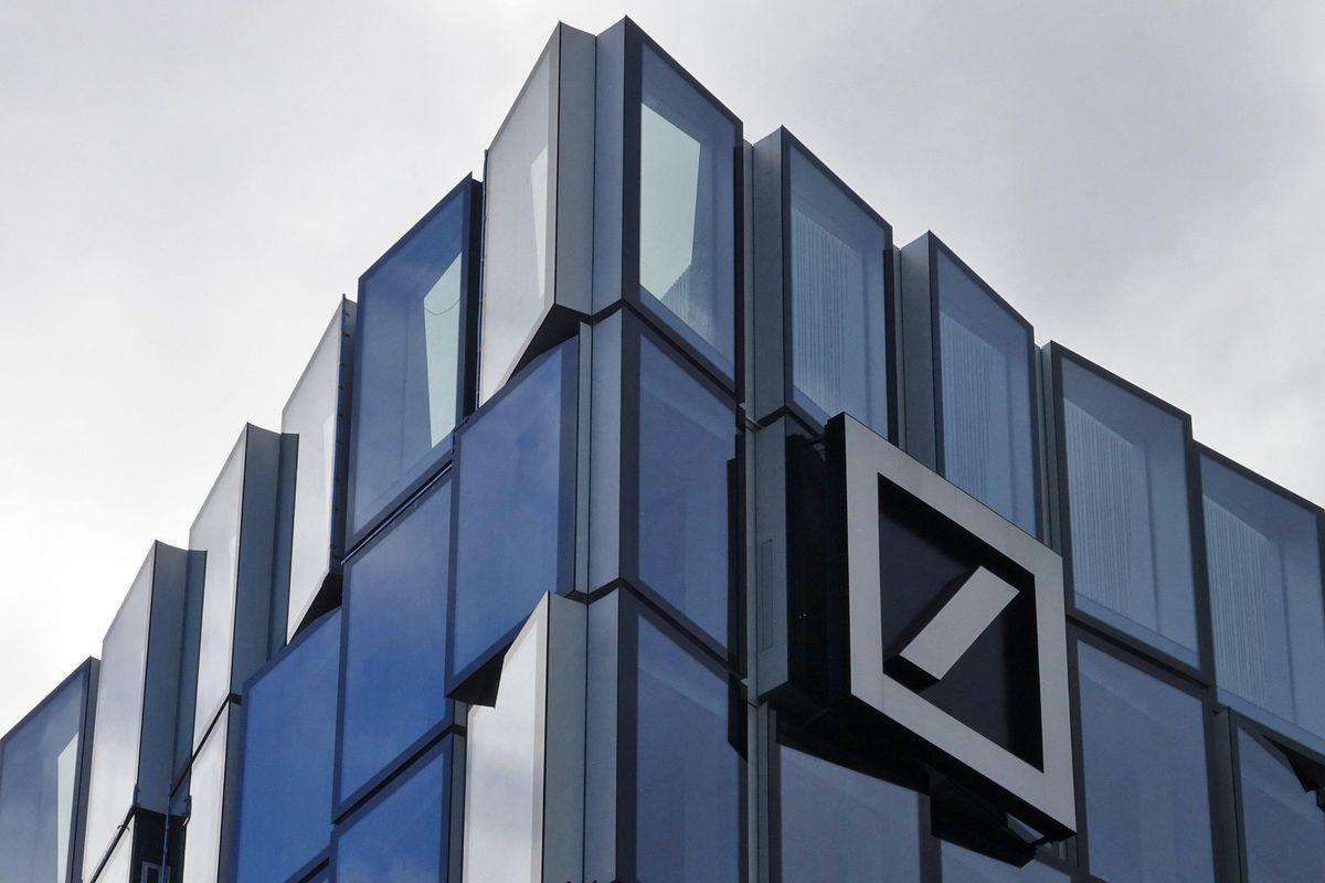Deutsche Bank cambia pelle e capo: vuole tornare a fare la vecchia banca