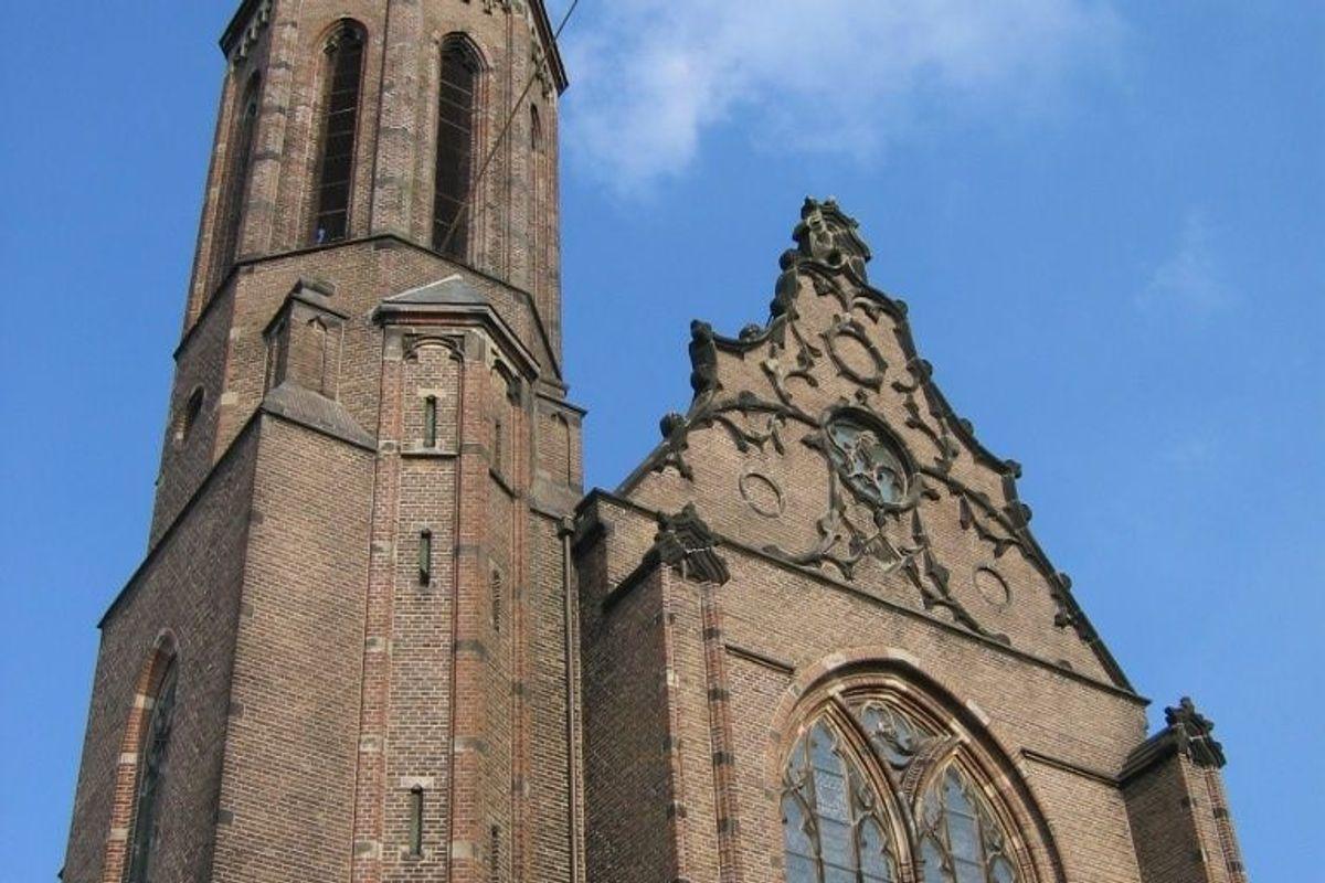 Pochi fedeli: cattedrale in vendita
