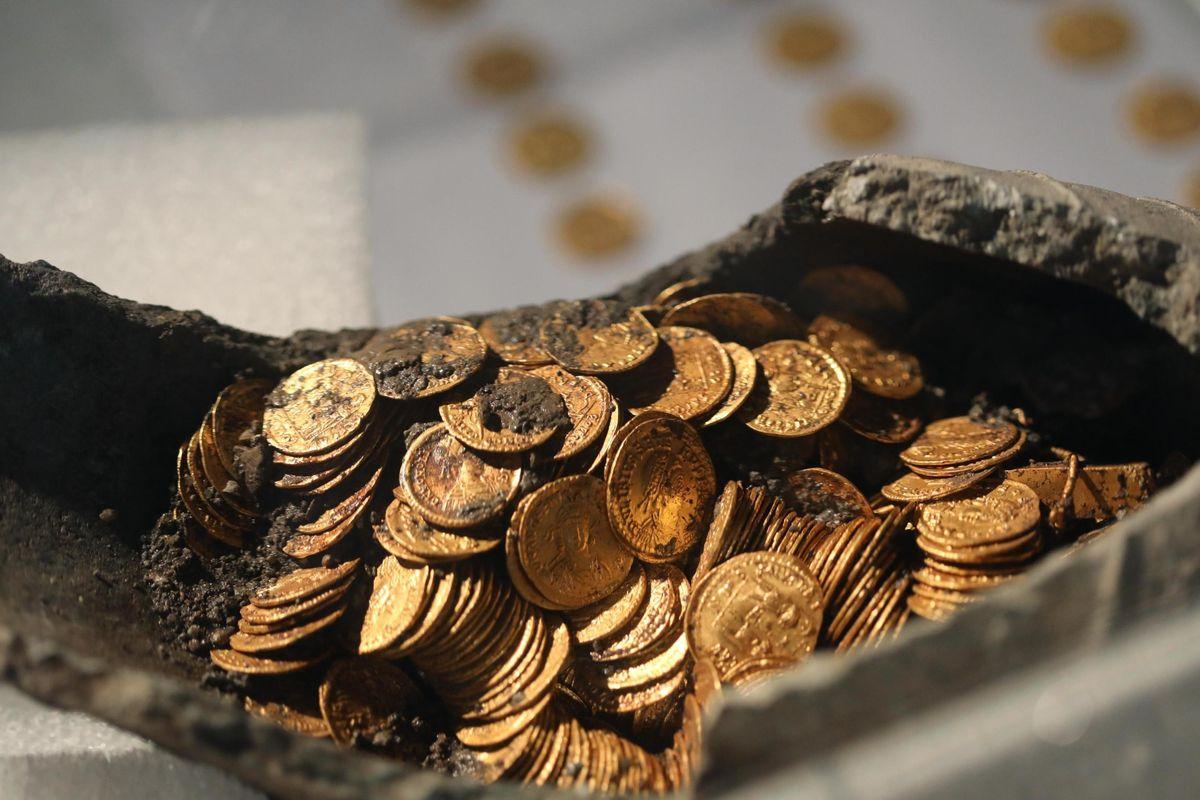 Gettoni d'oro nei programmi Rai: l'inganno di 5 funzionari della Zecca