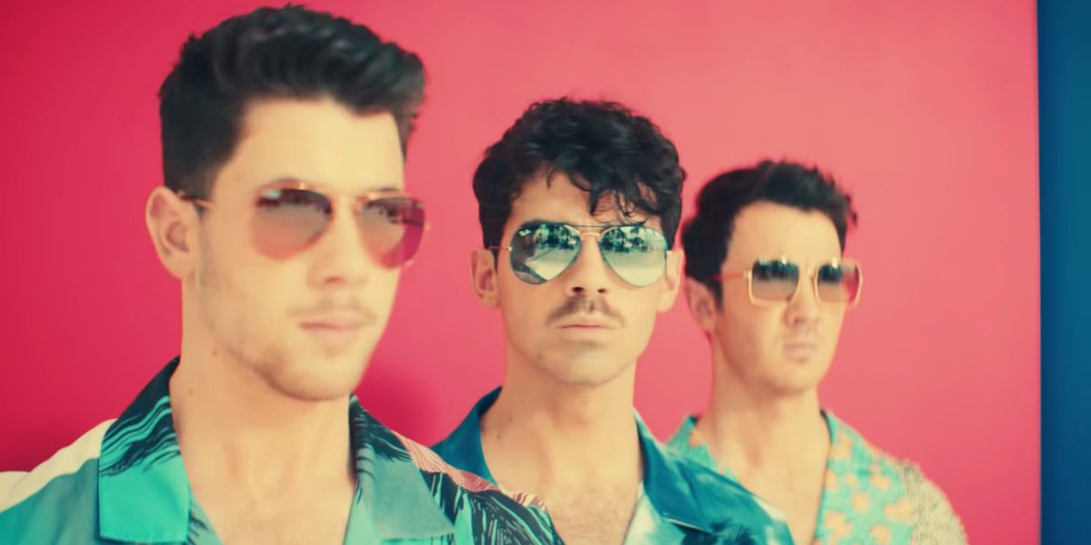 The Jonas Brothers Are Total Beach Dads in 'Cool'