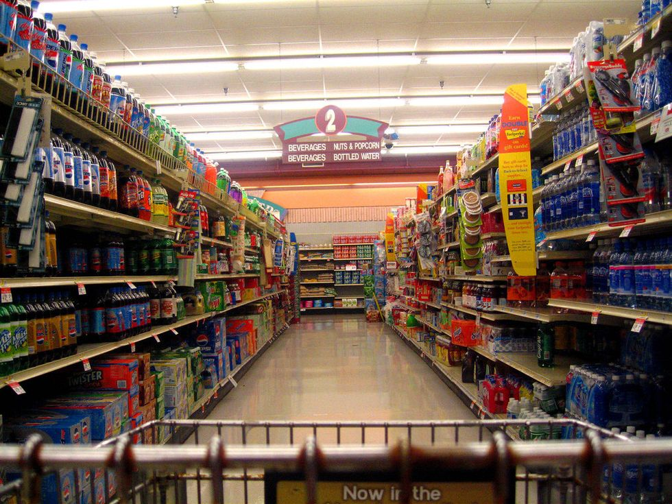 20 Things All College Students Have Done At Some Point While Grocery Shopping