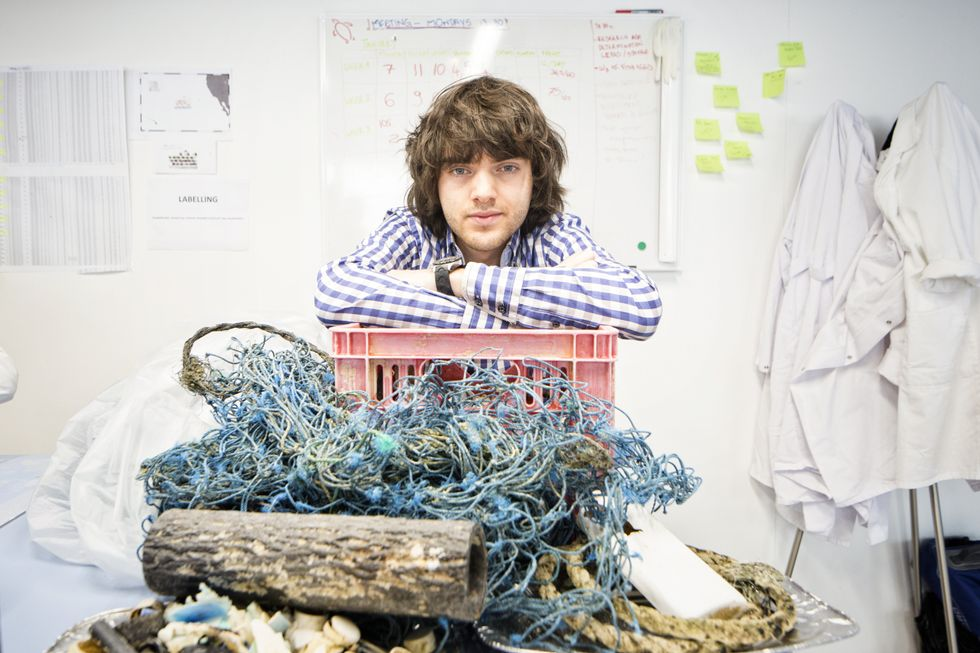 A Dutch 'boy genius' said he could get the ocean to clean itself. Turns out, he's right. - Upworthy