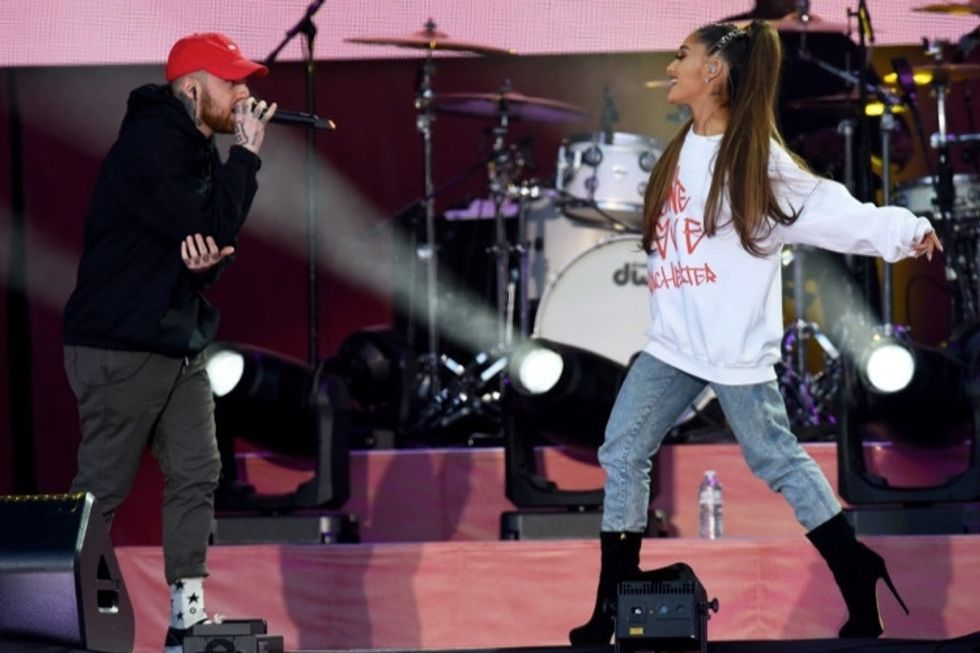 Ariana Grande's must-read response to a fan's rude tweet. Lesson learned.