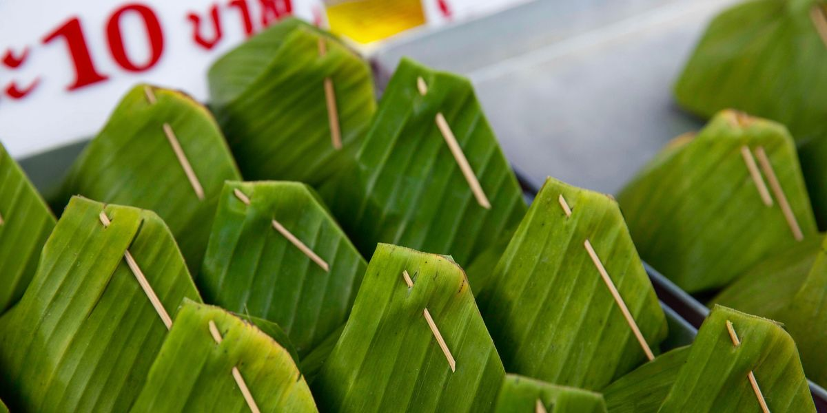 Supermarkets In Thailand And Vietnam Swap Plastic Packaging For Banana Leaves Ecowatch