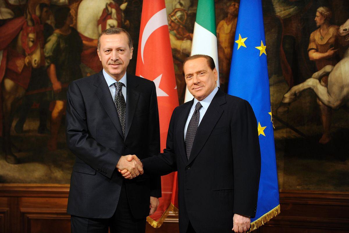 L'Italia si schiera con l'Armenia. Fi con la Turchia