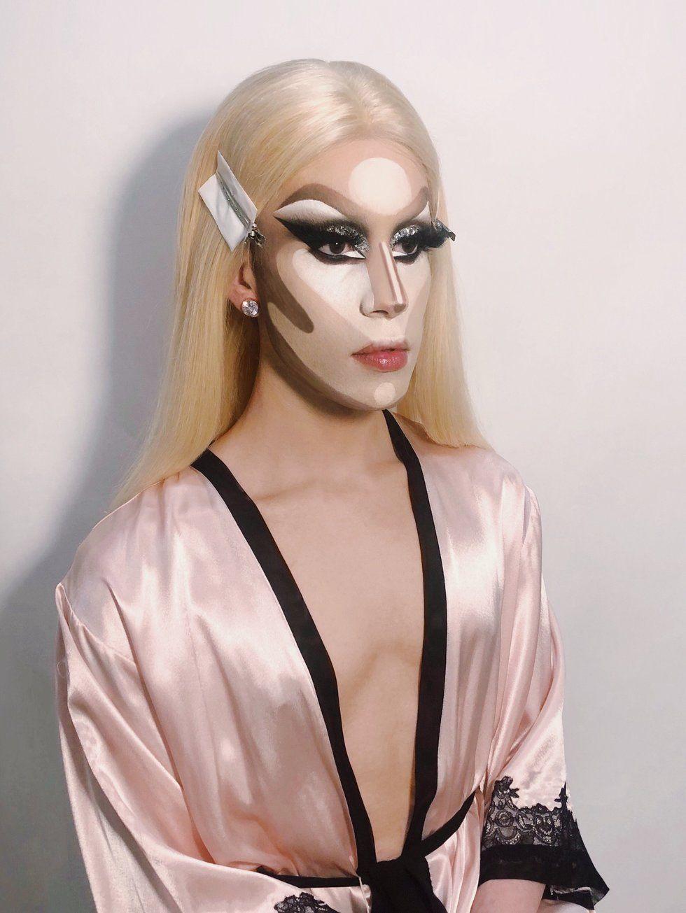 buen_contouring_drag queen_1