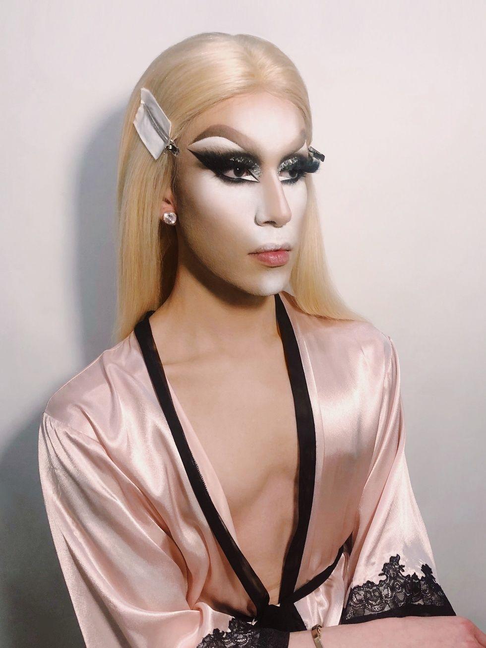 buen_contouring_drag queen_2