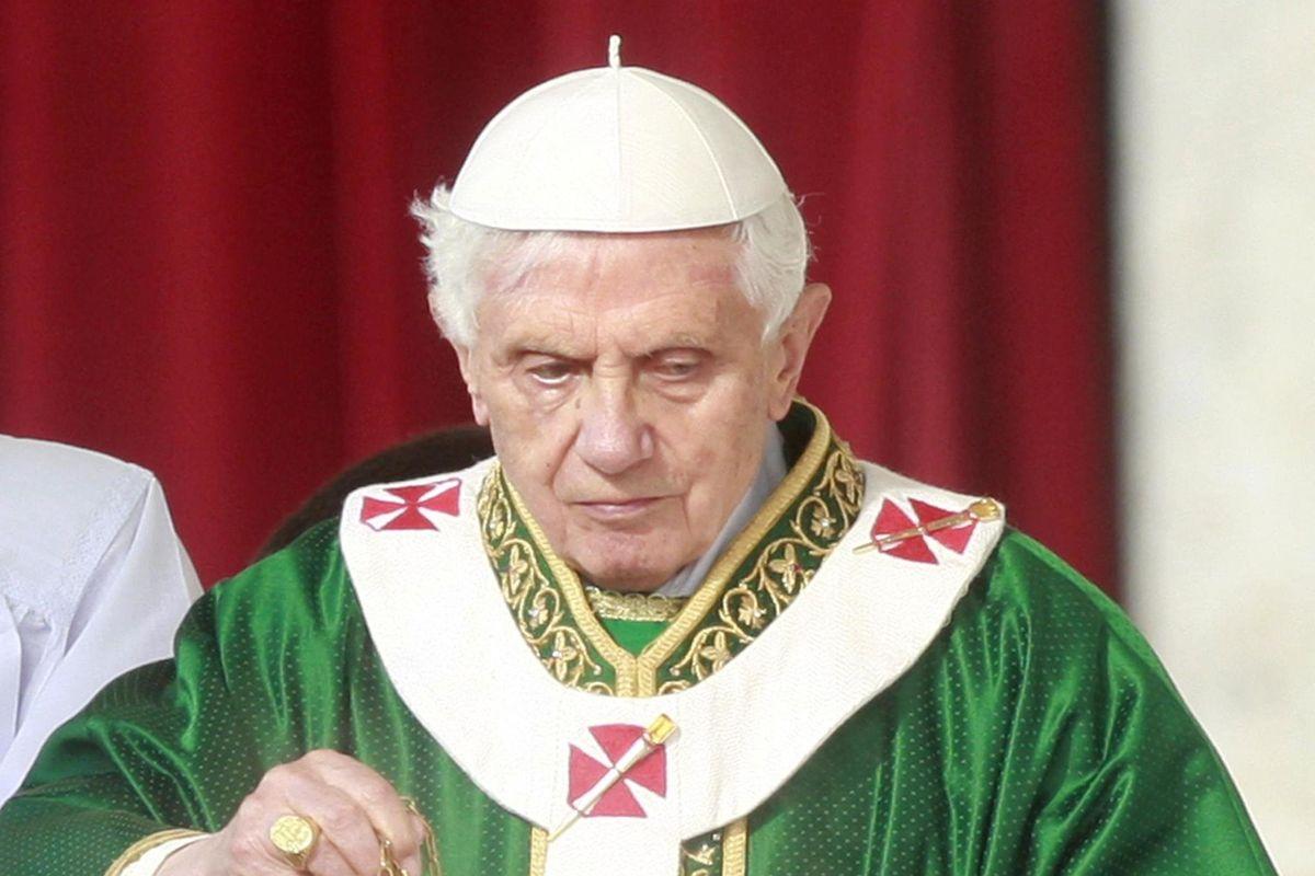 Pedofilia, omosessualità e attacco al post Concilio. Il ritorno di Ratzinger