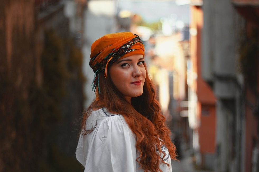 https://pixabay.com/photos/portrait-woman-single-adult-3141651/