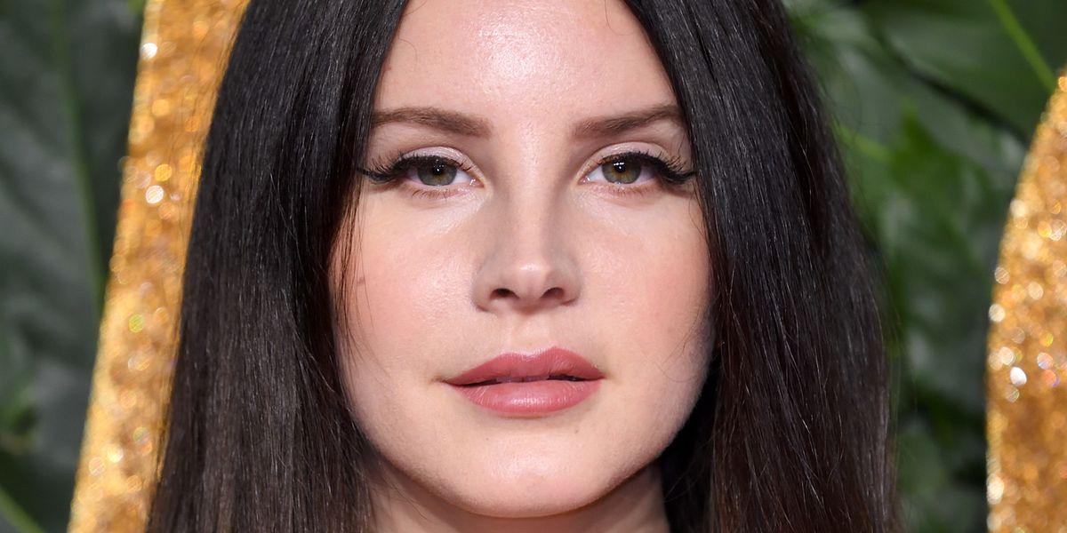 Lana Del Rey Releases New Poem