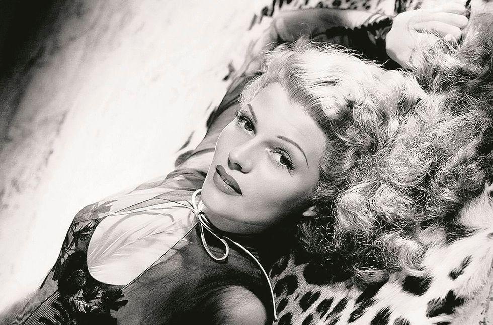 Gilda, la donna fragile e desiderata mai tentata dal moralismo del Me too