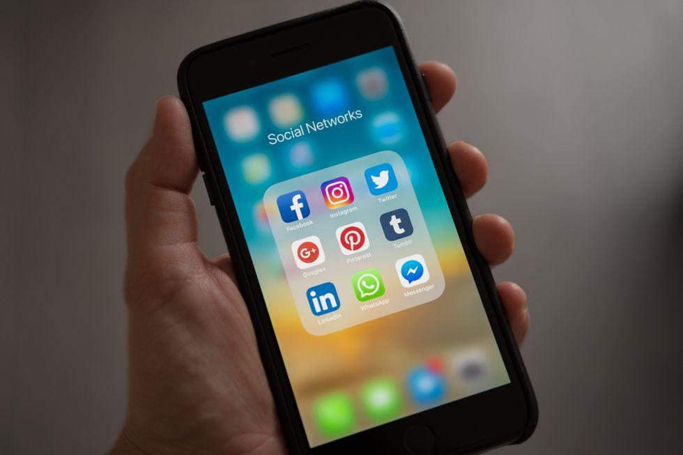 Using Social Media To Promote Positivity