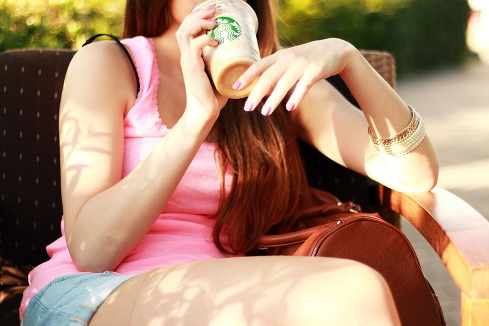 https://pixabay.com/photos/starbucks-coffee-drinks-bricks-922862/