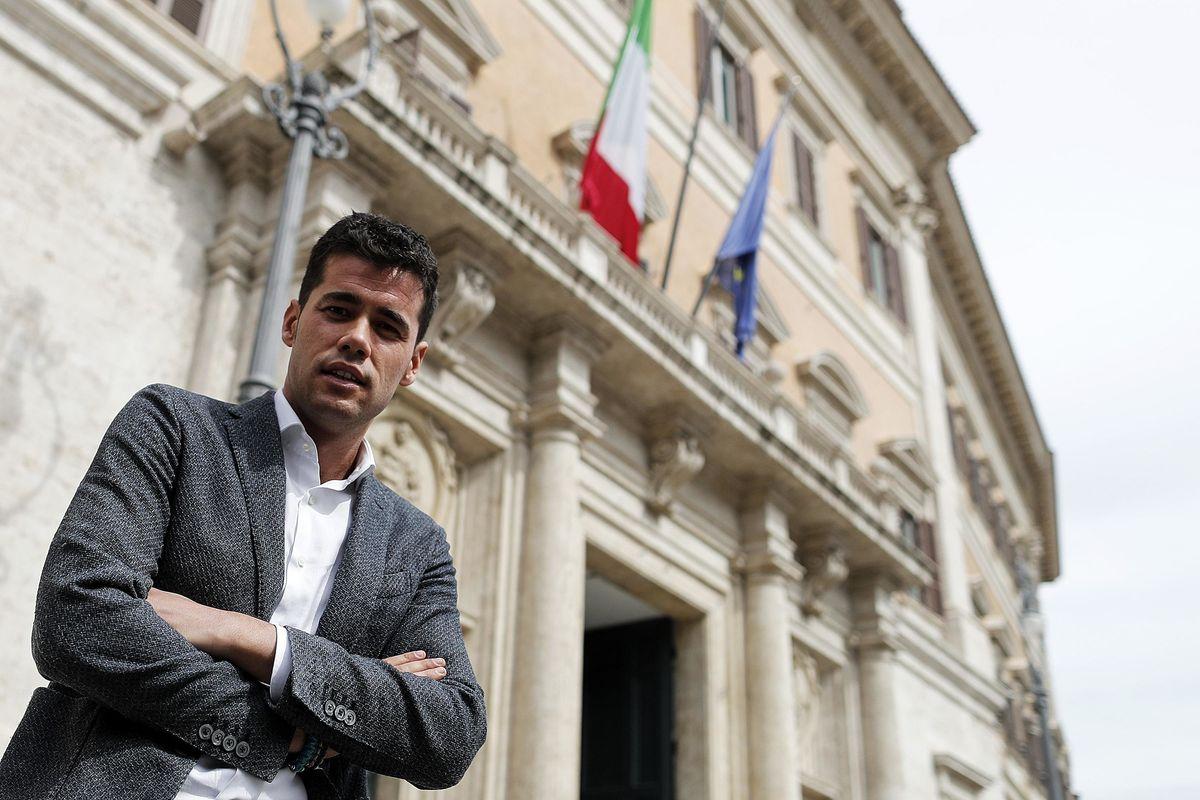 «Io delfino di Salvini? Per adesso costruisco la Lega del Sud Italia»