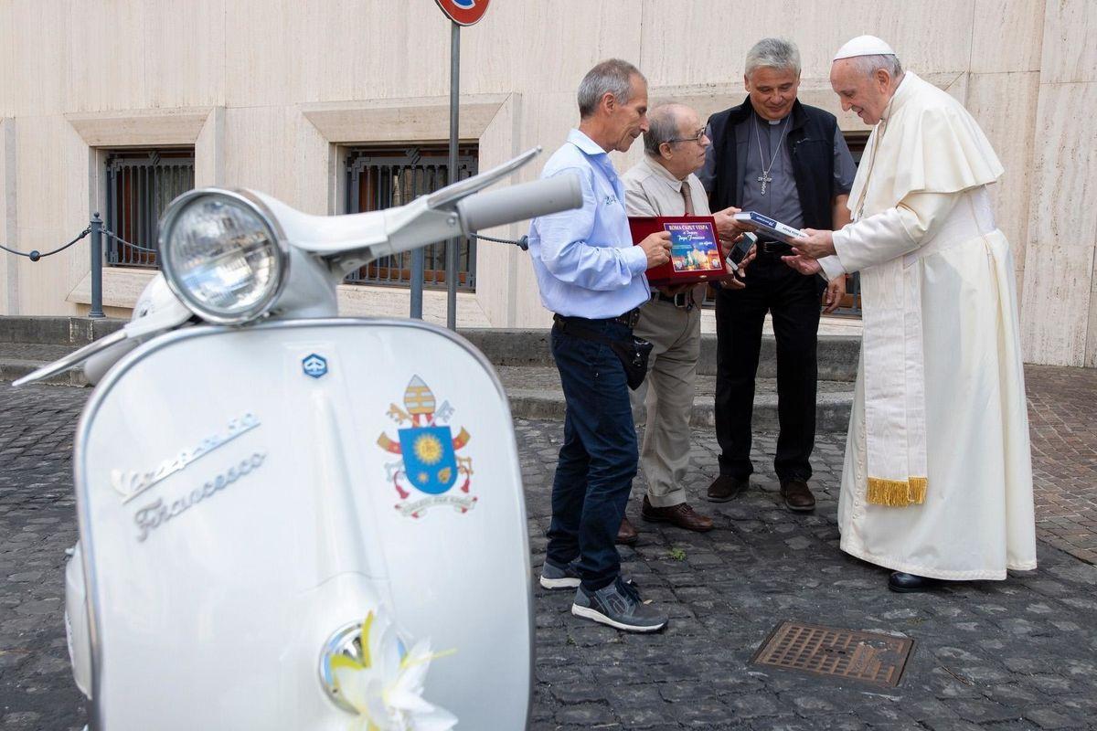 Per Verona l'ultima «scomunica» dei dannosi ventriloqui del Papa