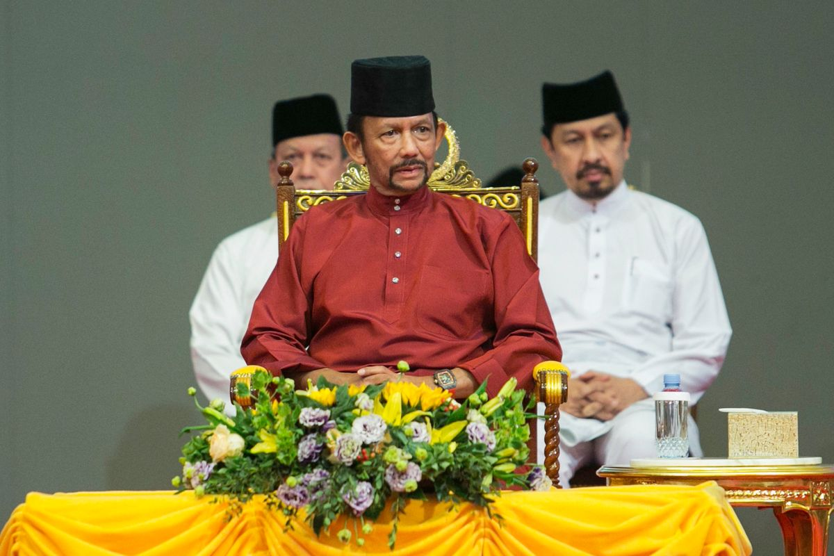 Brunei Introduces Death by Stoning for Gay Sex