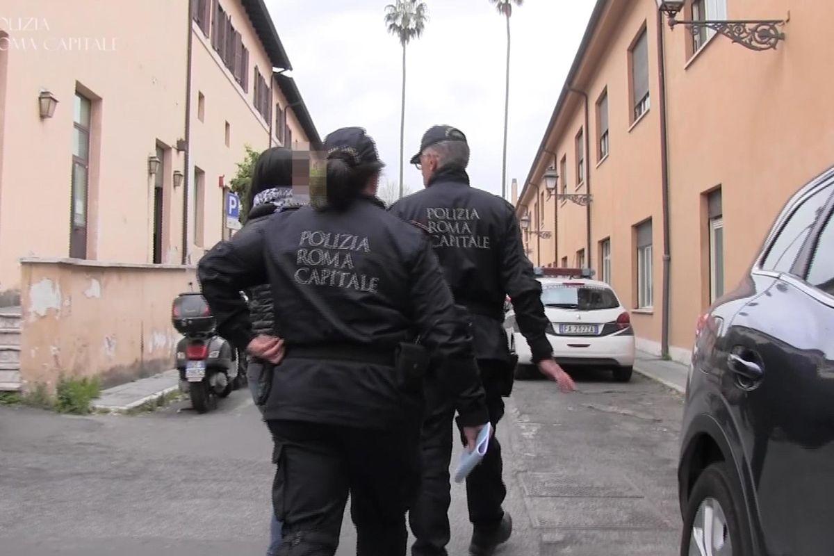 Facevano fuggire i minorenni stranieri ma si tenevano i soldi del Comune