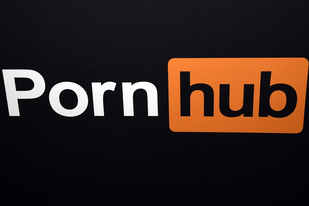 Your Nudes Are Saved! Pornhub Might Buy Tumblr