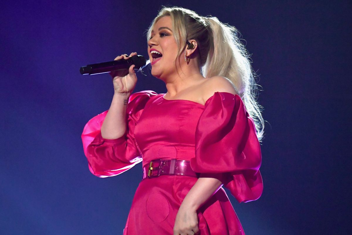 Kelly Clarkson Had Her Appendix Removed After Hosting the 2019 BBMAs
