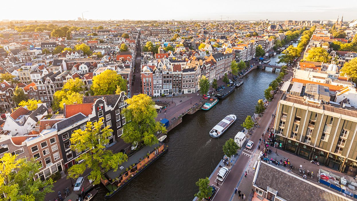 Amsterdam Plans to Ban All Non-Electric Vehicles by 2030