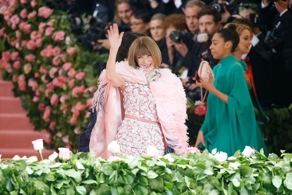 Karl Lagerfeld Made Anna Wintour's Met Gala Dress