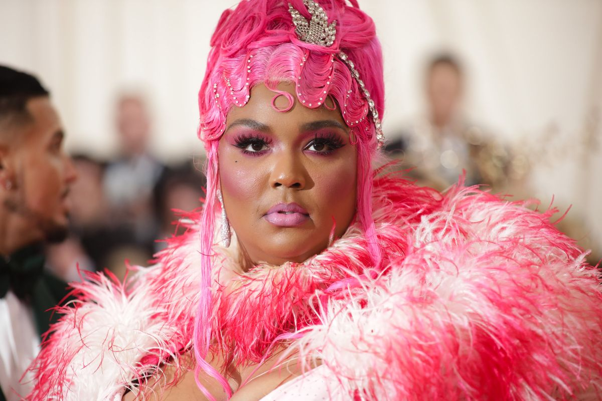 How Lizzo's Team Turned Her Into a 'Ghetto Fabulous' Shirley MacLaine