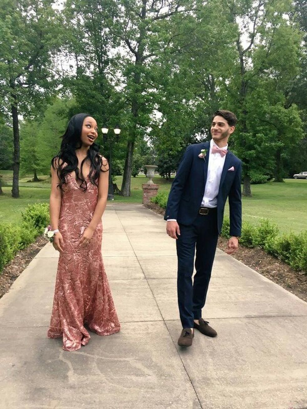 30 Things Every Girl MUST Do Leading Up To Prom