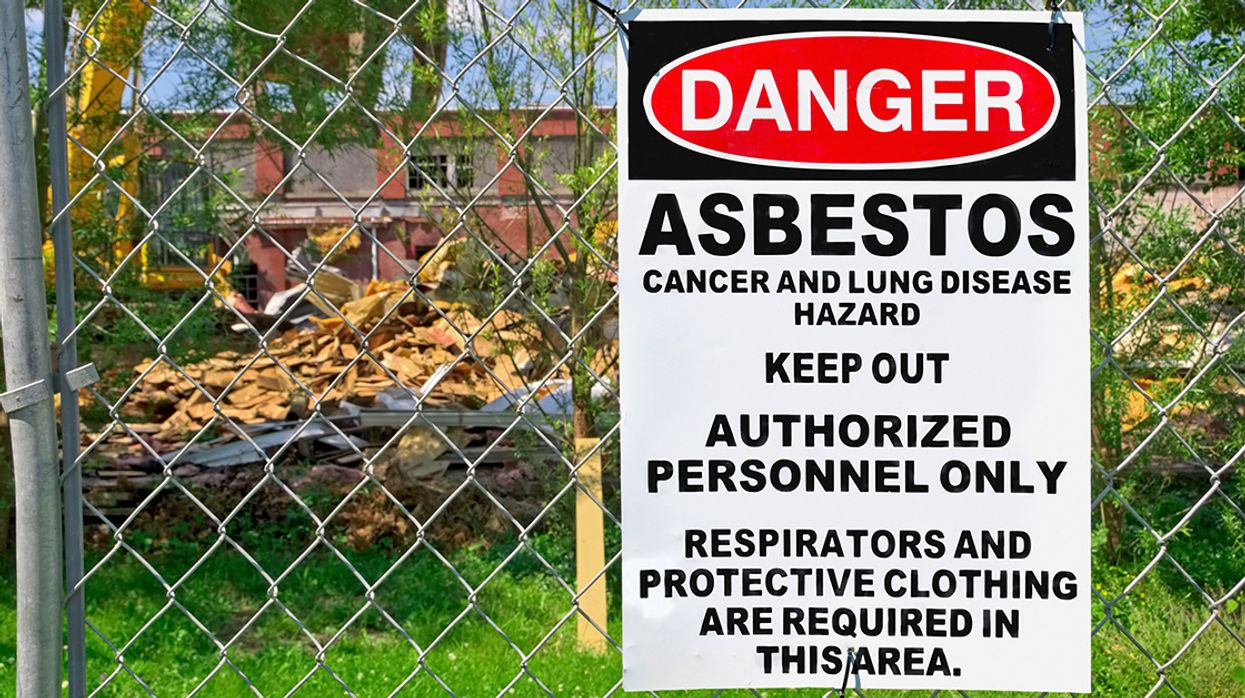 Trump EPA Ignored Its Own Scientists' Calls to Ban Asbestos, 'Bombshell' Report Shows
