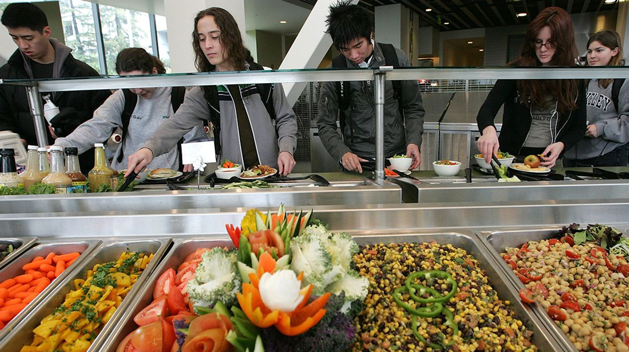 California Lunchrooms May Soon Serve Up Organics