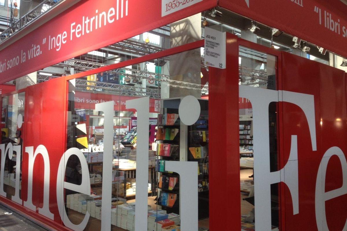 I libri fascisti banditi dal Salone di Torino li vende la Feltrinelli