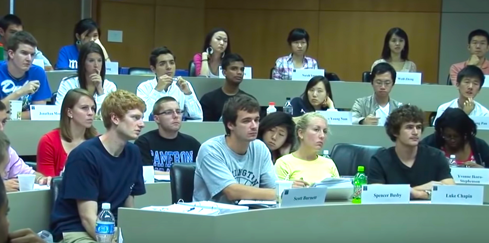 7 Self-Conscious Thoughts That Race Through My Mind When Sitting In My College English Class