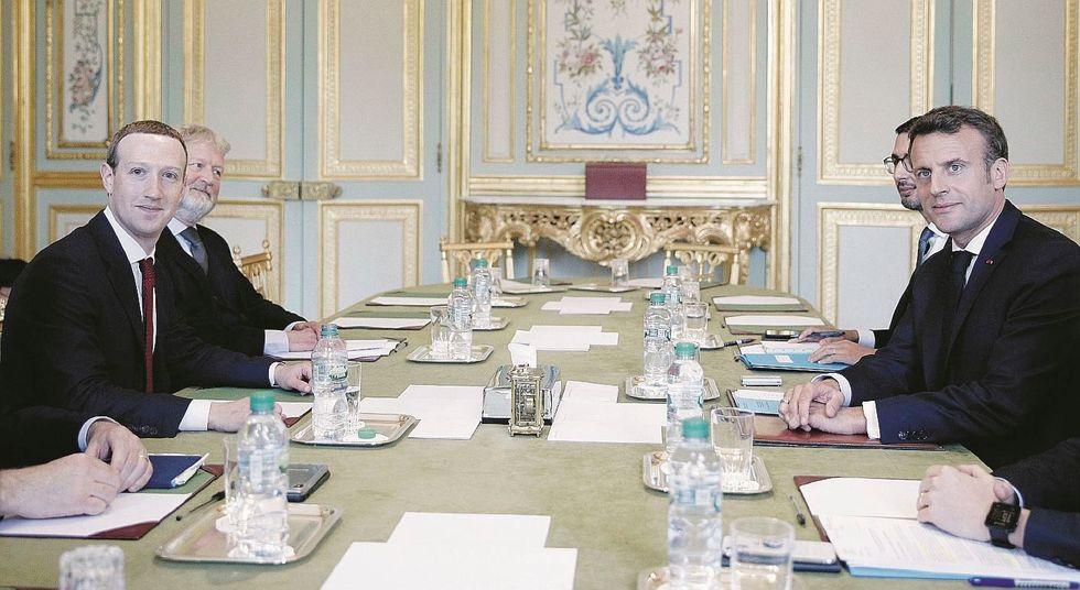 Macron vuole Facebook contro i suoi nemici