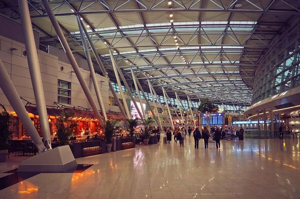 https://pixabay.com/photos/architecture-airport-building-3960163/