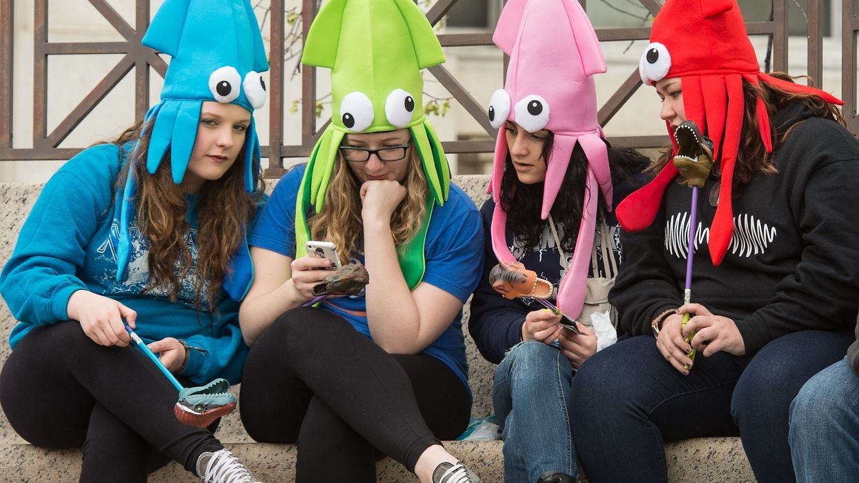 Oxford: Teens' life satisfaction has 'nothing to do' with how much they use social media