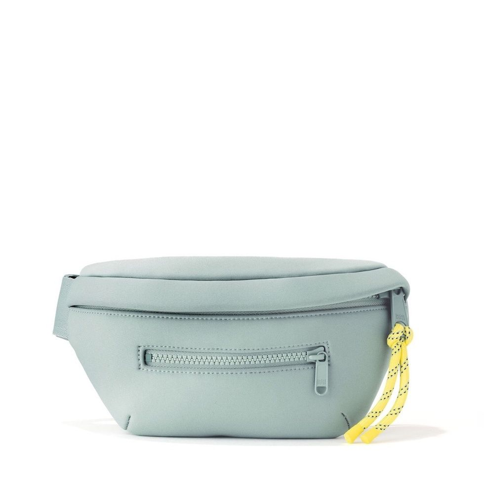 1c68aab9ff0 Best fanny packs for moms - Motherly