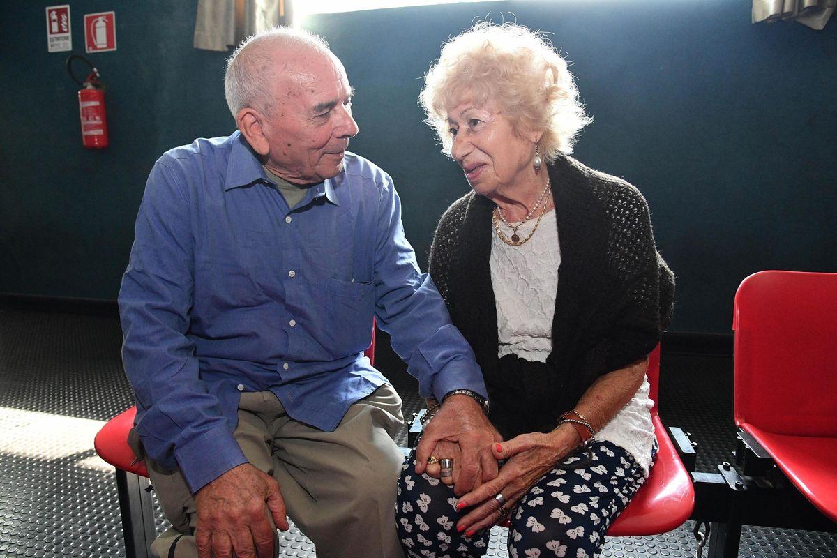 Intanto gli anziani in difficoltà devono arrangiarsi nelle nuove comuni