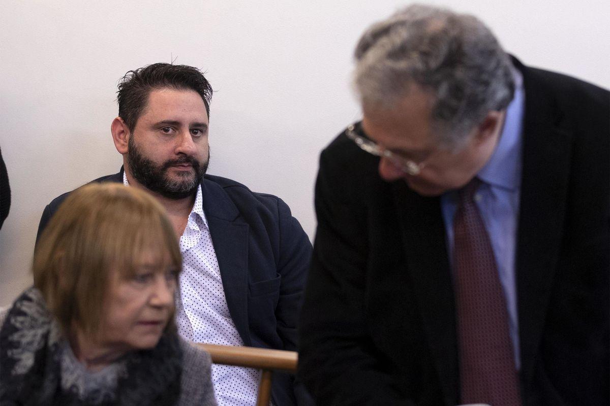 L'eroe del caso Cucchi finisce nei guai Il pm: «Processatelo, spacciava droga»