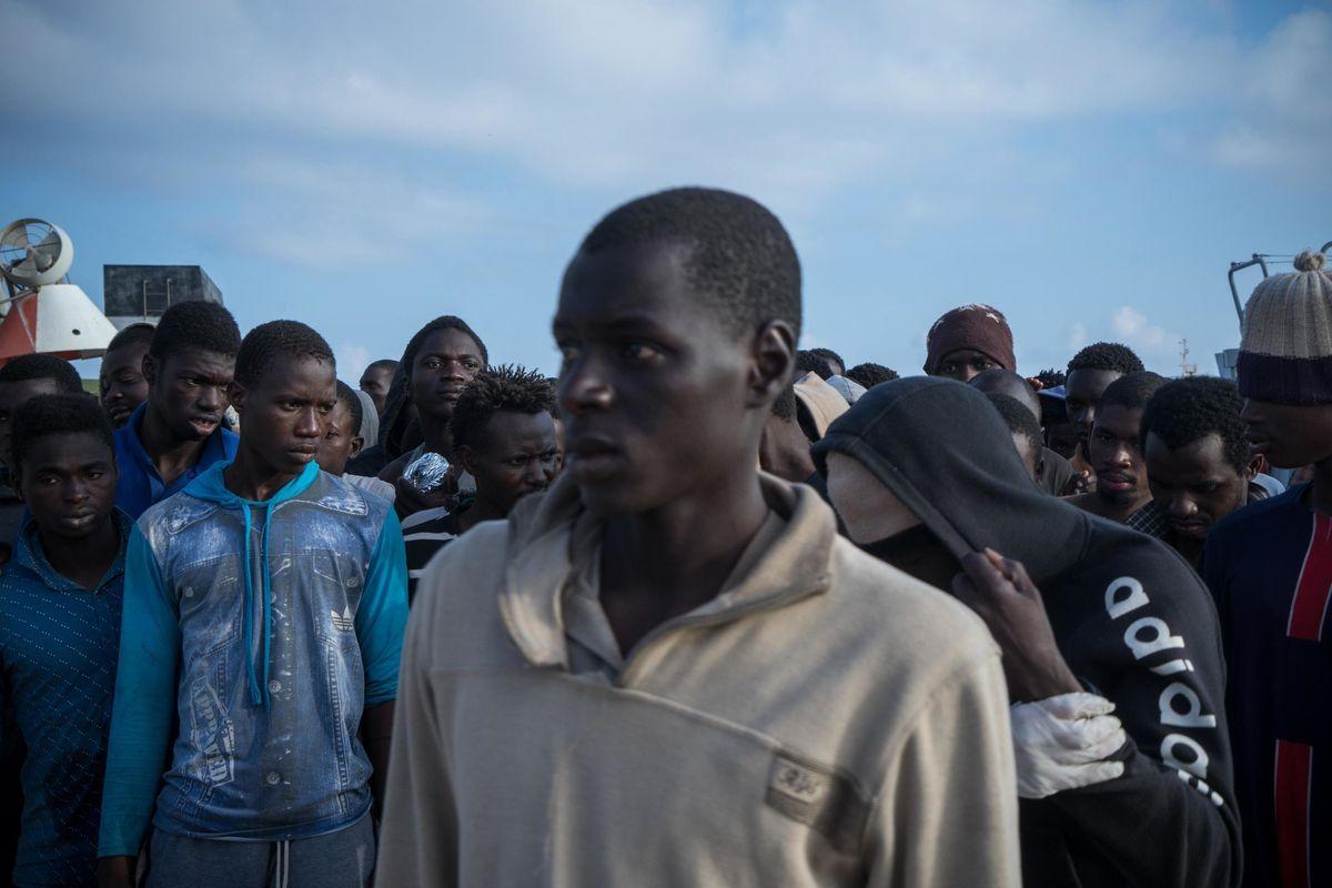 Giudici scatenati: dobbiamo tenerci gli immigrati anche se sono una minaccia