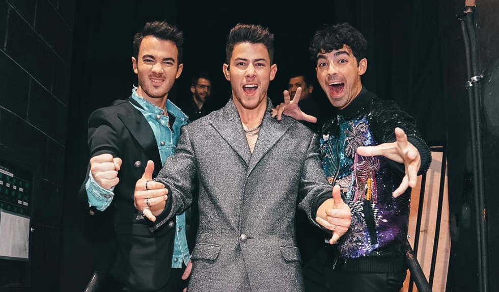 14 Stages Of Buying Jonas Brothers Concert Tickets As A 20-Something In 2019