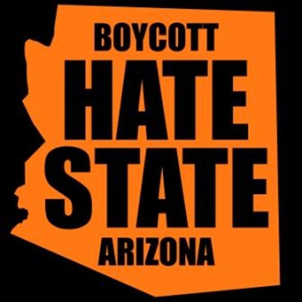 Está Cool Como La Juventud Lucha Contra Racistas En Arizona