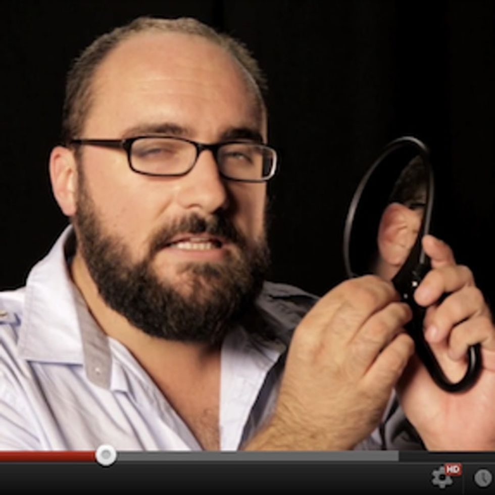 Viral Video Alert: What Color Is A Mirror?