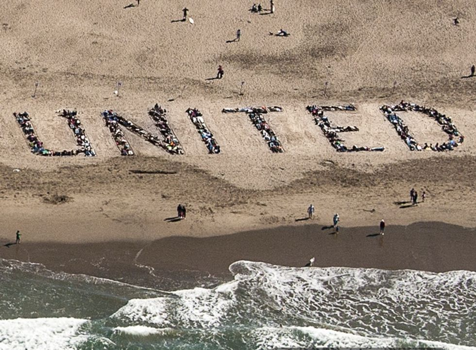 This San Francisco Cab Driver Got 1,000 People To Stand Up And Spell Out 3 Words