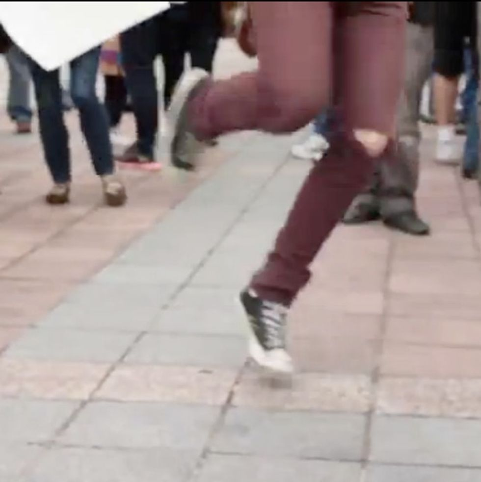 AWESOME: Dance Party Breaks Out In The Street At U.S. Bank