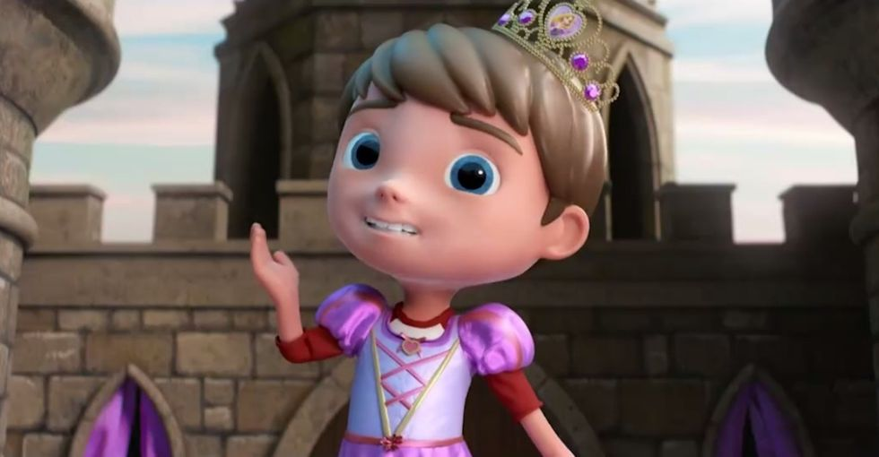 This toy ad features a boy playing dress-up as a queen, and people are loving it.