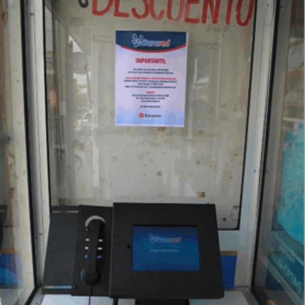 Phone Booth + iPad + Corner Store = Mexico's New Bank?