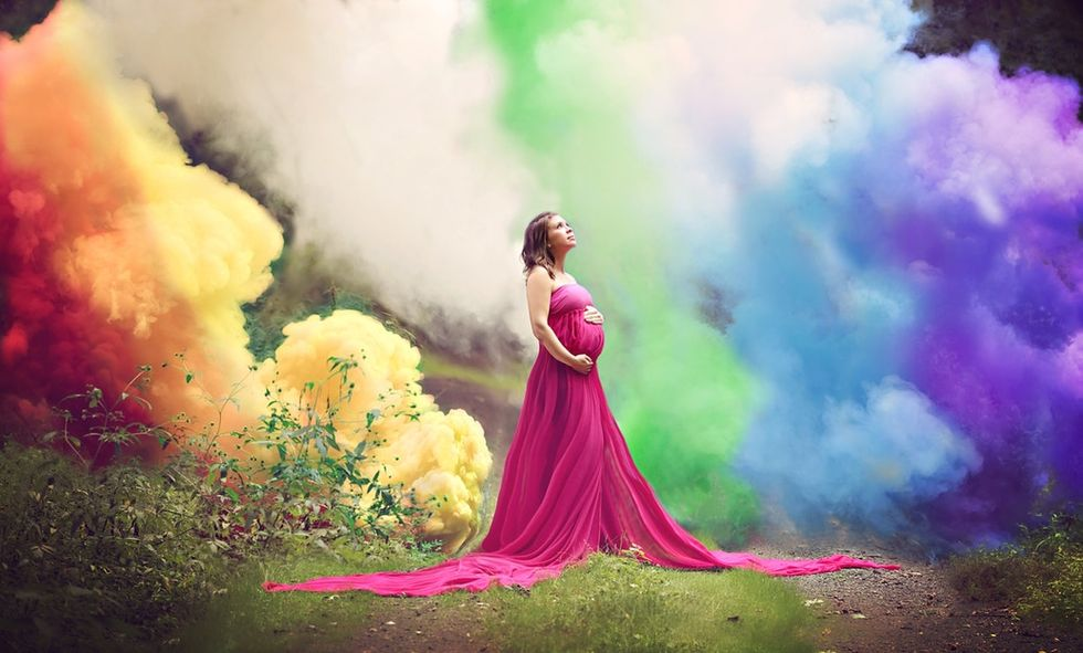 This mom-to-be did a rainbow photoshoot to honor her 6 miscarriages.