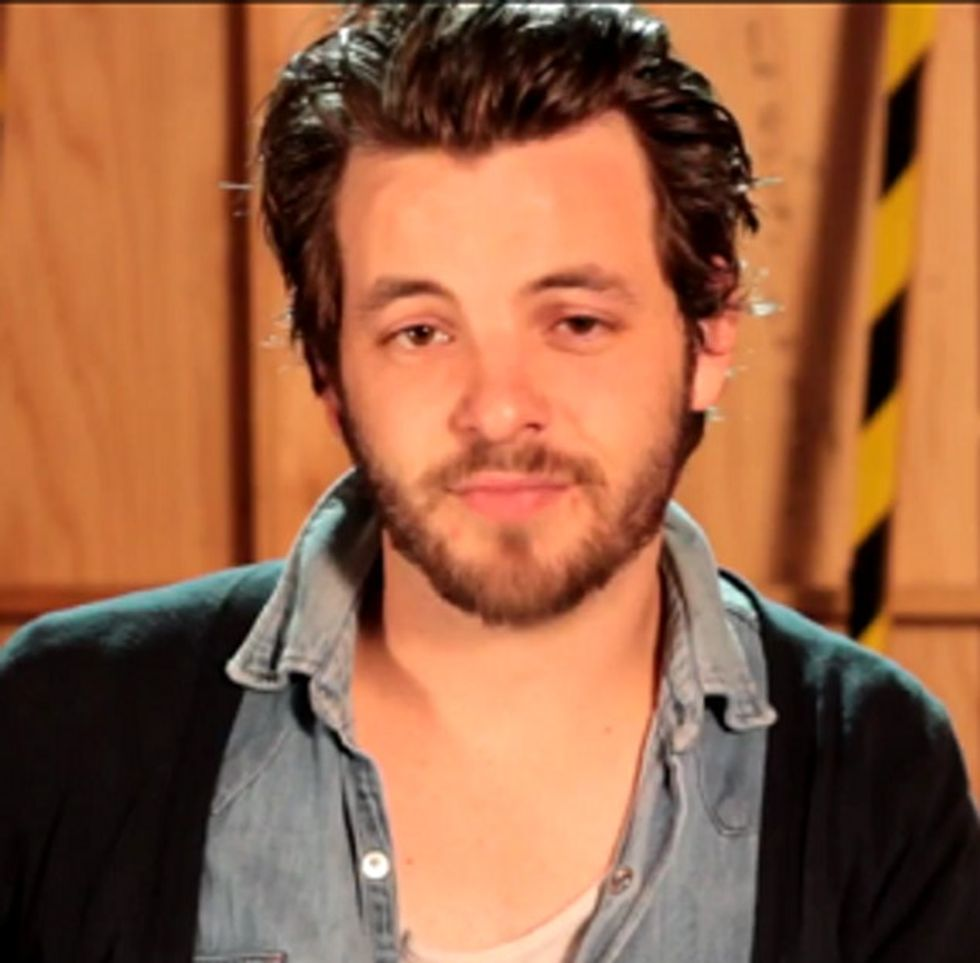Renly From Game of Thrones = Gay. Actor Who Plays Him = Straight. This Video = Awesome.